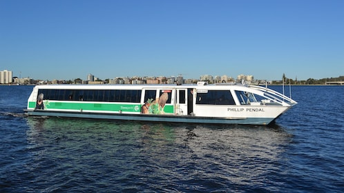 Boat cruise on the Zoo and Cruise Package in Perth, WA, Australia