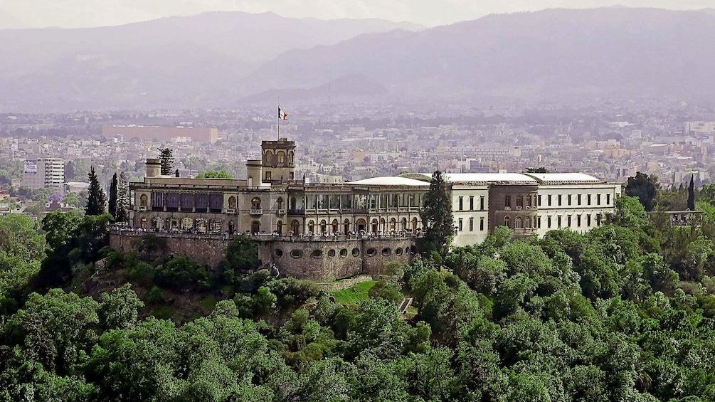Carregar foto 4 de 9. Chapultepec Castle in Mexico City