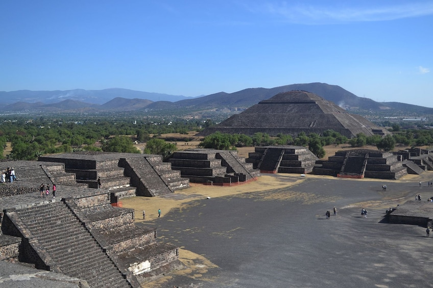 Show item 5 of 10. 2-in-1 Combo: Teotihuacan Pyramids, Xochimilco Canals & Frida Kahlo Museum