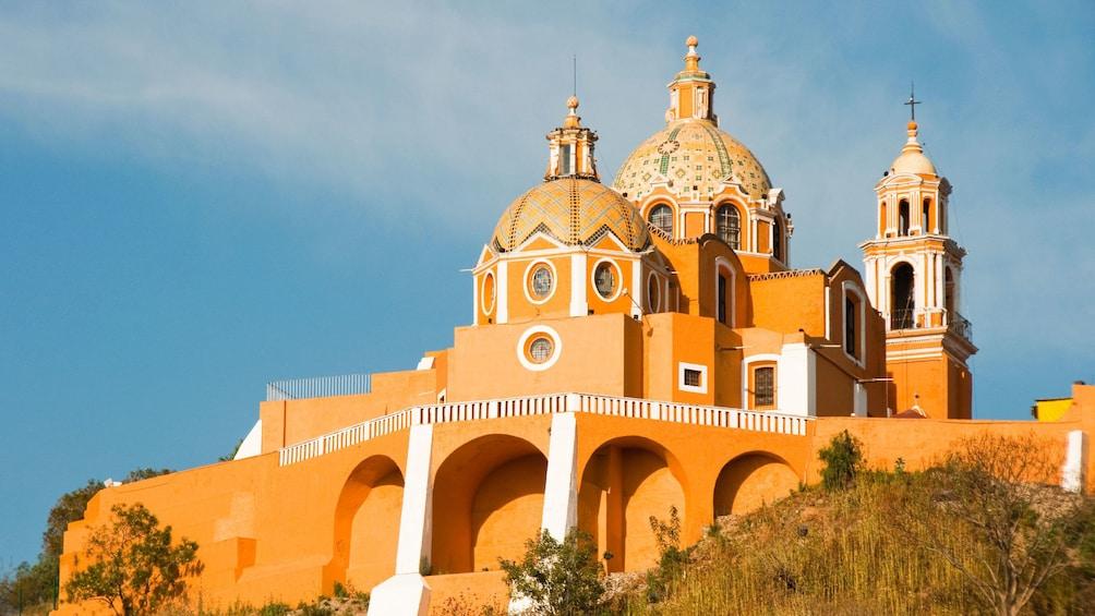 Cargar foto 5 de 8. Day view of Cholula, Puebla in Mexico