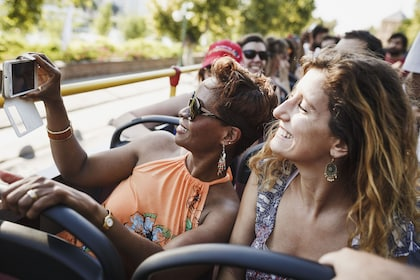 Shore Excursion: Amsterdam Hop-On Hop-Off Bus & Canal Cruise