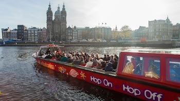 Landgang: Hop-on-Hop-off-Bustour und Grachtenfahrt durch Amsterdam
