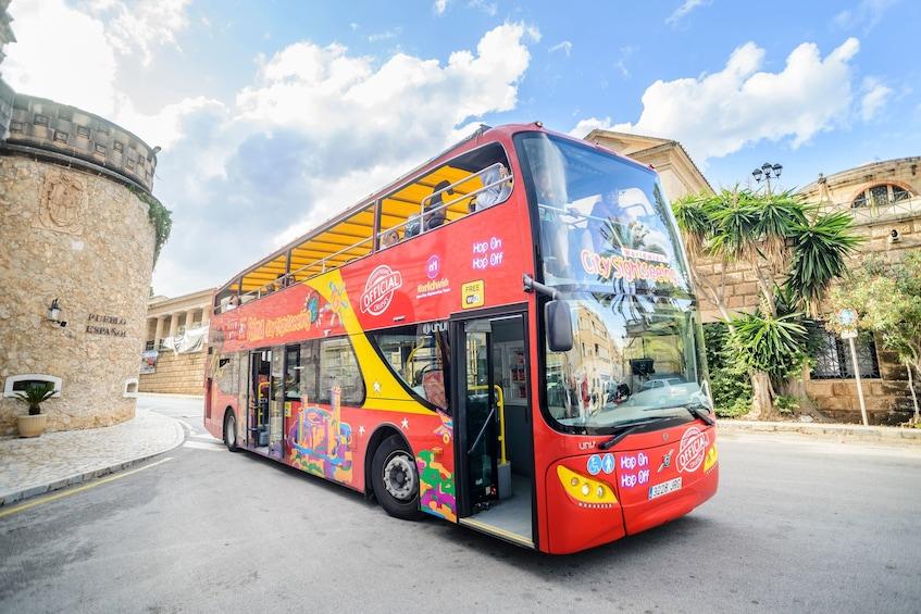 Ver elemento 3 de 9. Shore Excursion: Palma de Mallorca Hop-On Hop-Off Bus Tour
