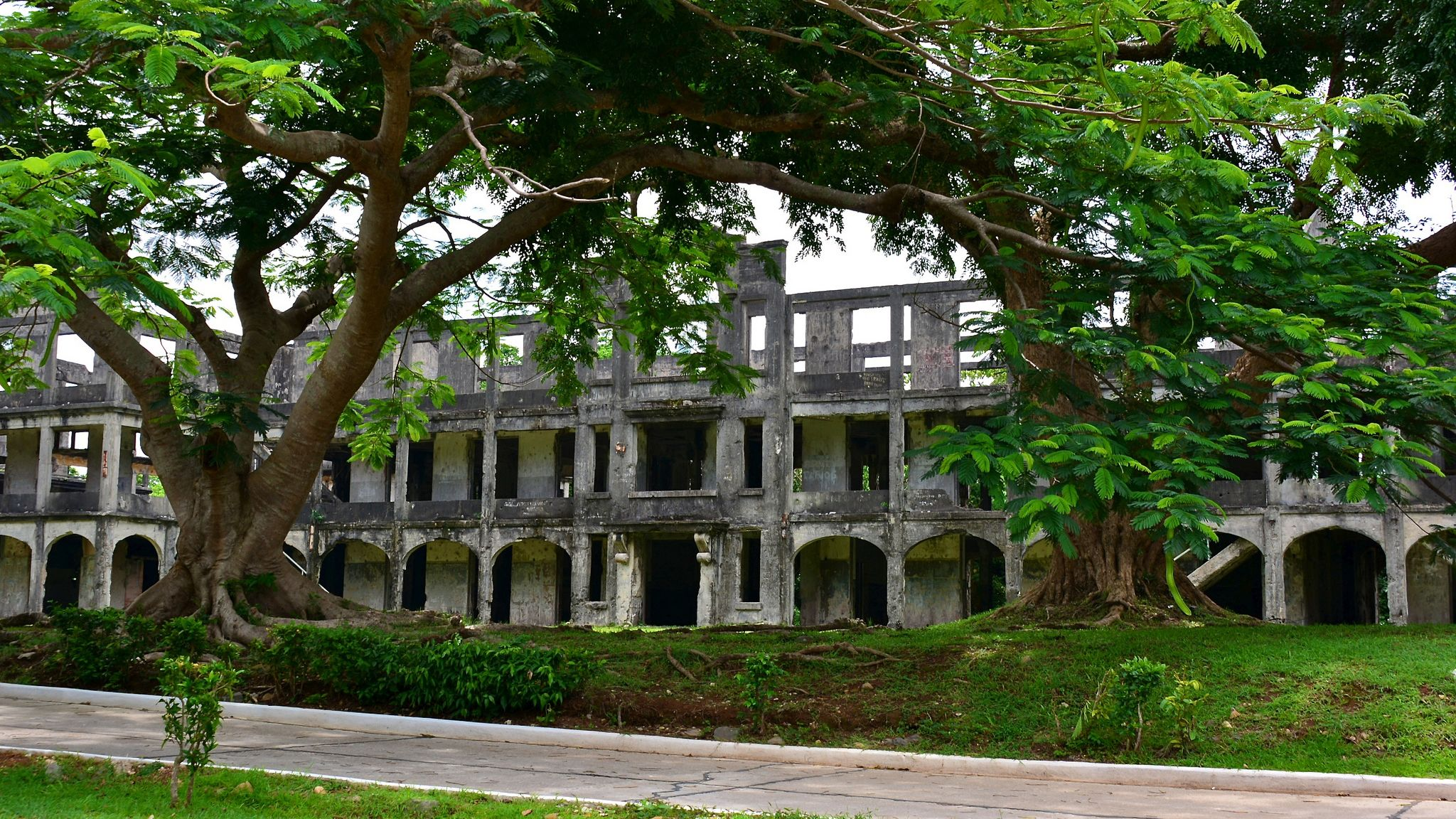 building in manila