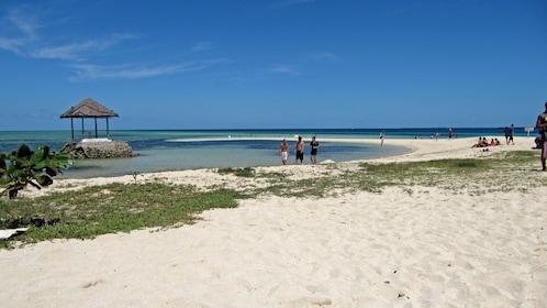 beach in manila