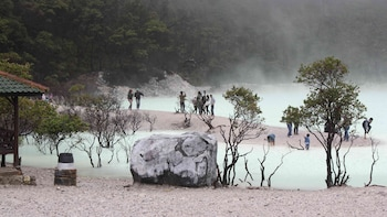 Private Full-Day White Crater Volcano Tour