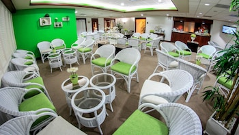 Premium Lounge with VIP Fast-Track Service