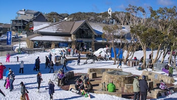 Full-Day Mount Buller Snow Adventure with Optional Lesson from Melbourne