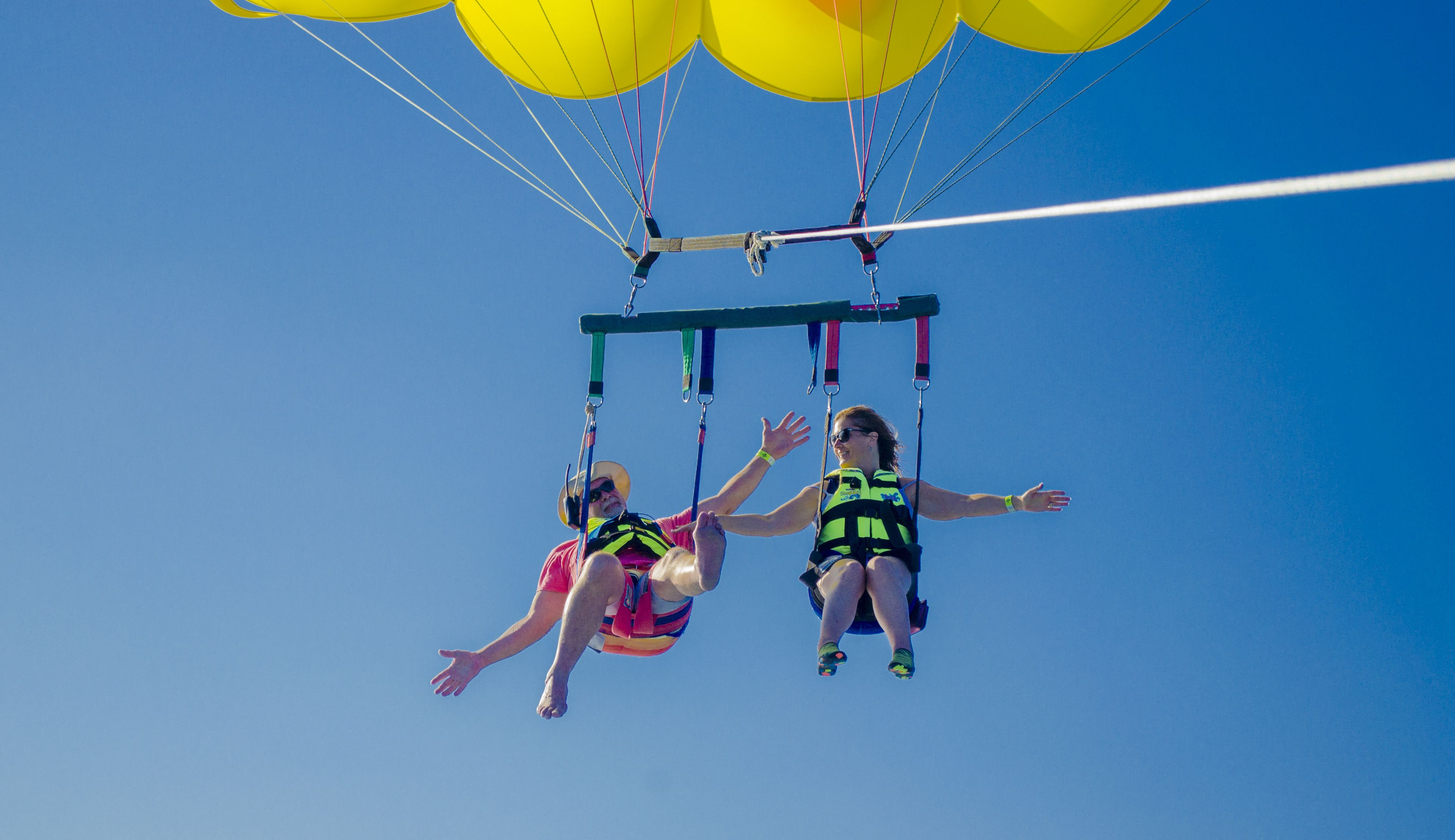 cancun parasail fly.png