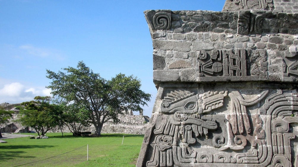 Cargar foto 3 de 5. Ruins in Xochicalco