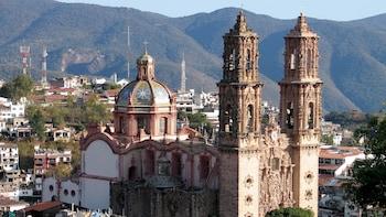 Viaje privado de un día por Taxco y Xochicalco