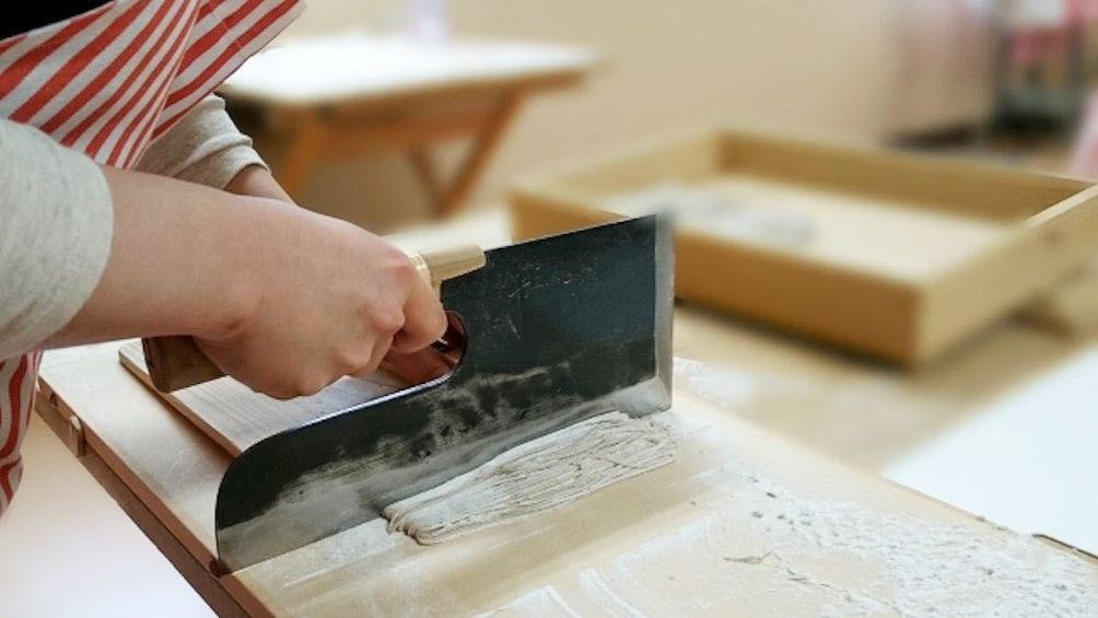 正在顯示第 1 張相片,共 10 張。 Soba making in Tokyo