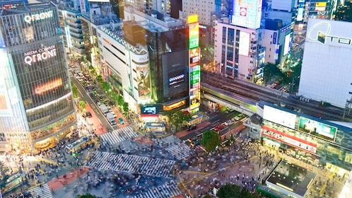 A hectic Shibuya Crossing in Japan