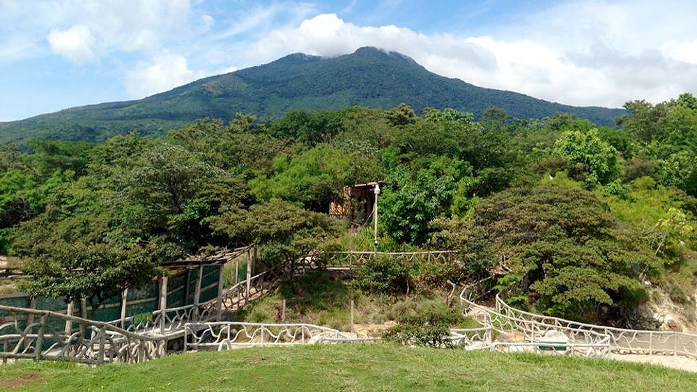 Miravalles Volcano Hiking & Hot Springs Tour