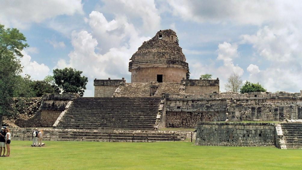Charger l'élément 4 sur 8. Mexican ruins