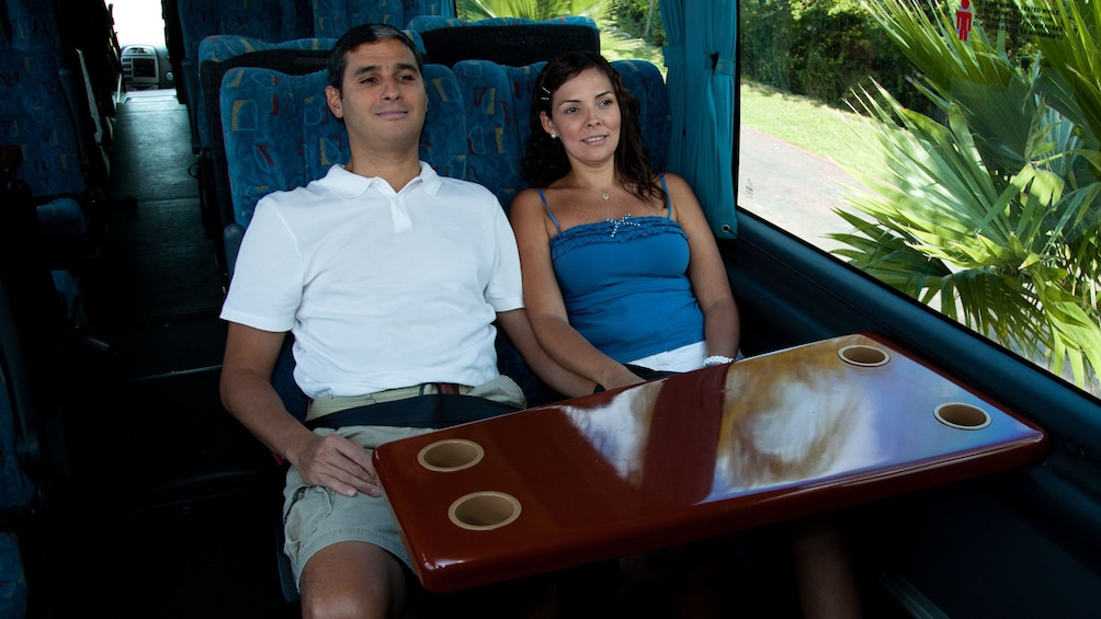Charger l'élément 3 sur 8. Two people on luxury bus