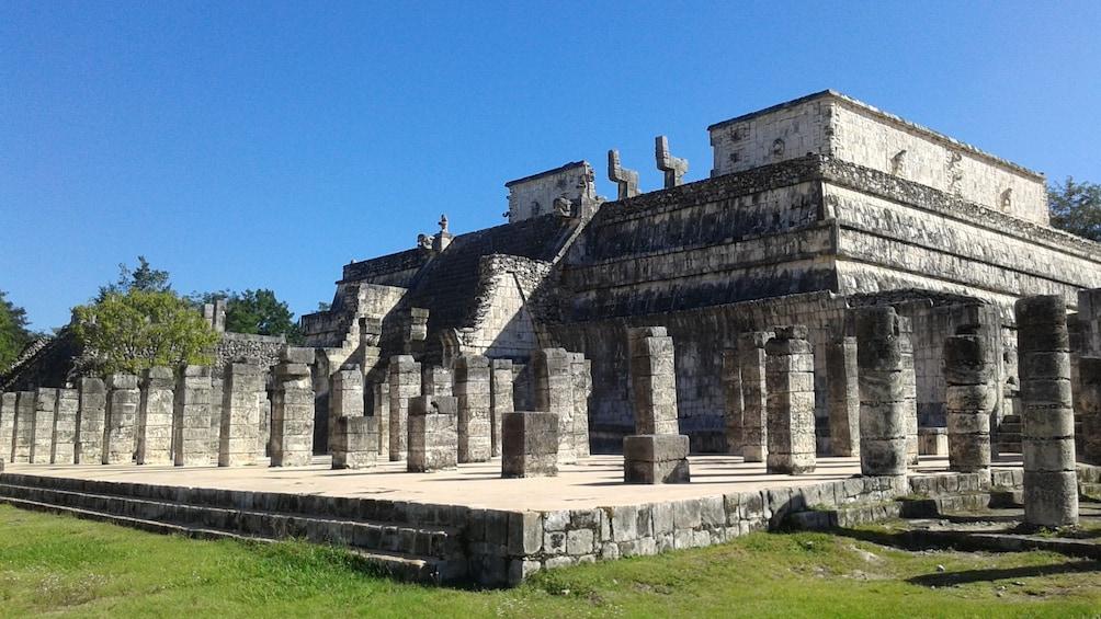 Charger l'élément 5 sur 9. A Mexican Mayan ruin