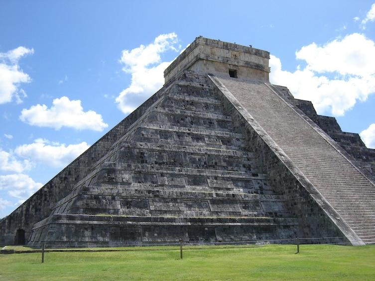 Charger l'élément 3 sur 8. Chichén Itzá Express Tour with Breakfast