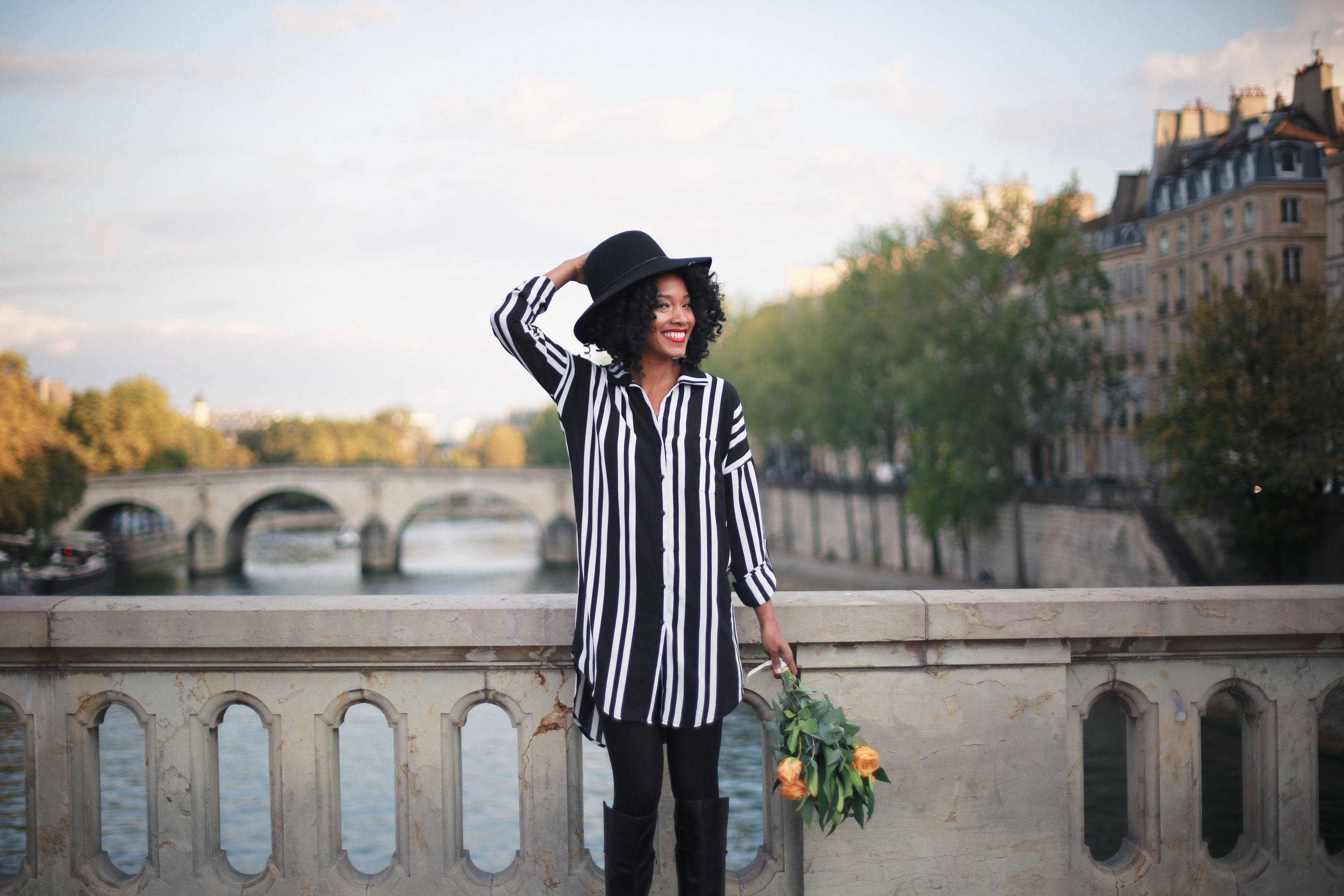 Lucille in Paris for Flytographer.jpg