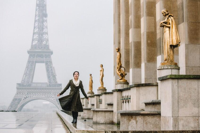 Åpne bilde 1 av 7. Paris Vacation Photo Shoot with a Professional Photographer