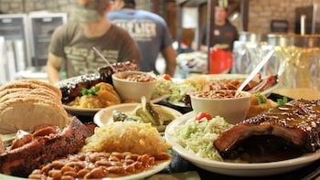 Hill Country Barbecue & Wine Shuttle