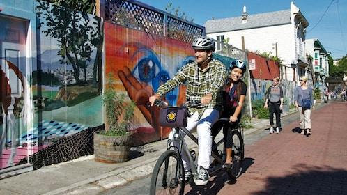 Couple on a bike tour of San Francisco