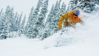 Avon Resort Multi-Day Ski Rental Package with Delivery