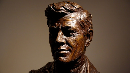 Bust of JFK at a museum in Dallas