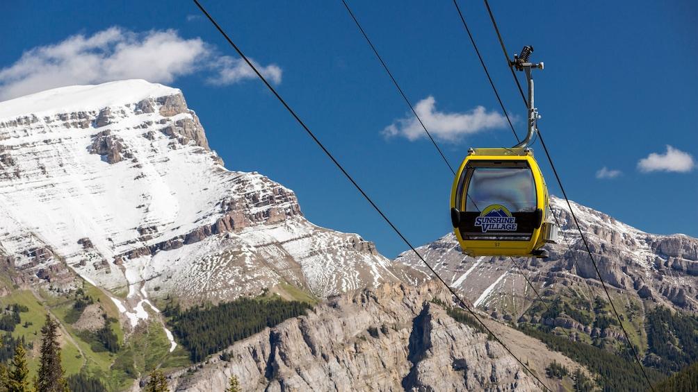 Foto 1 von 4 laden Gondola in the mountains in Banff