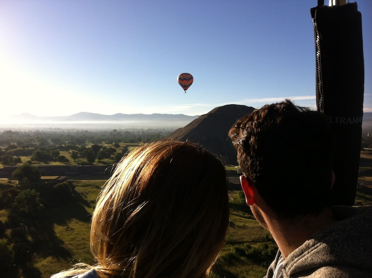 Cargar foto 7 de 7. Teotihuacan Hot Air Balloon Tour