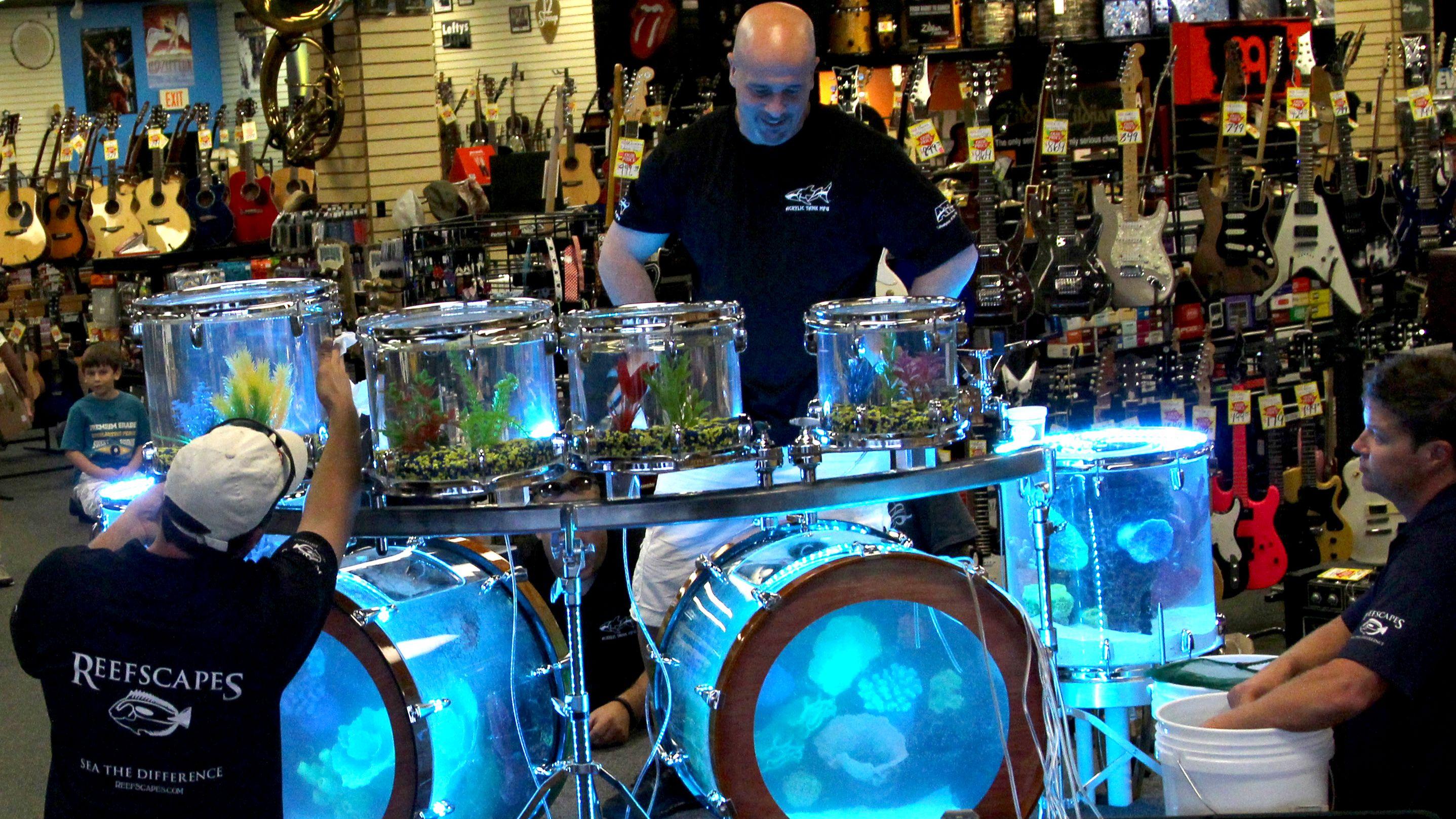 A fish tank drum set