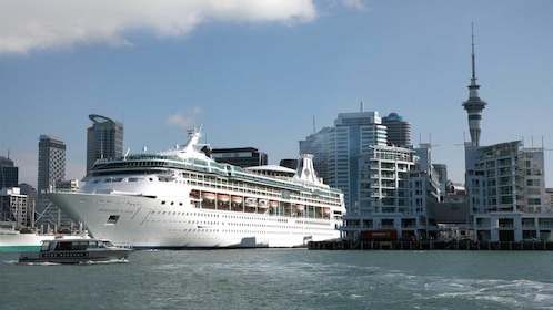 Auckland International Cruise Departure, Accommodation & Transfers
