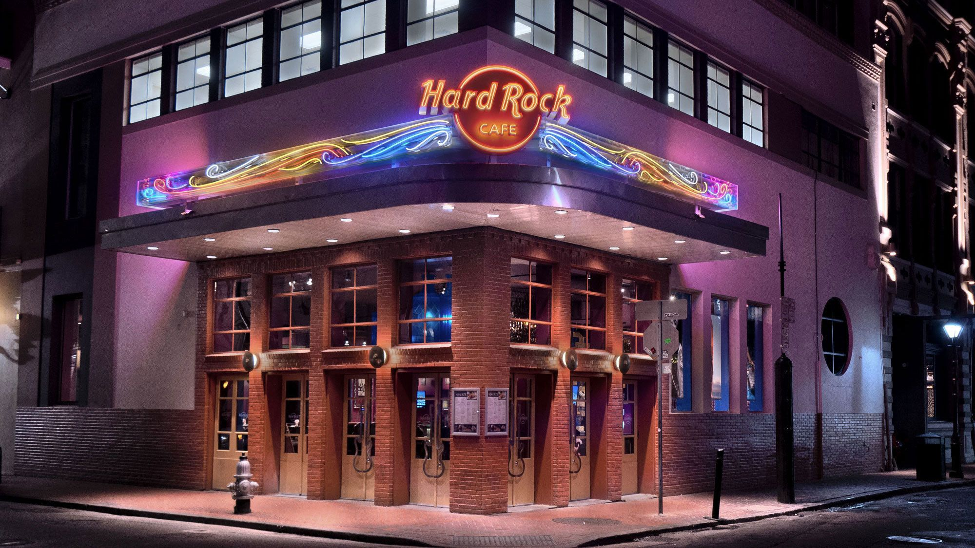 Dining at Hard Rock Cafe New Orleans with Priority Seating