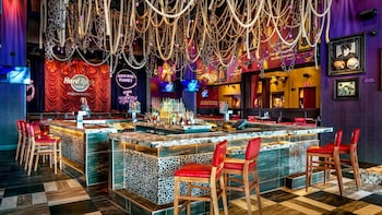 Dining at Hard Rock Cafe Pigeon Forge with Priority Seating