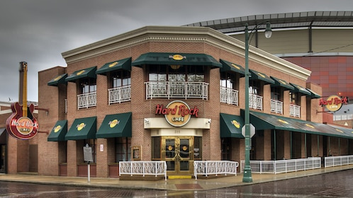 exterior of hard rock cafe in Memphis
