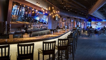 Dining at Hard Rock Cafe Nashville with Priority Seating