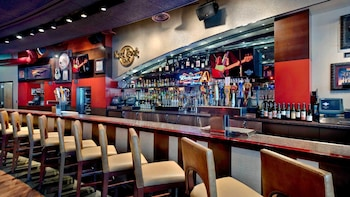 Dining at Hard Rock Cafe Phoenix with Priority Seating