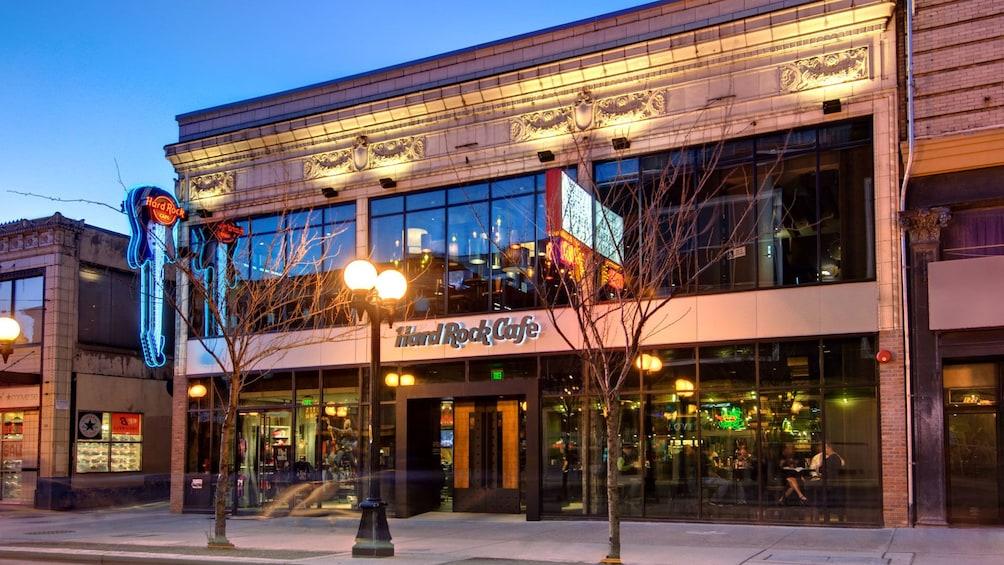 Åpne bilde 3 av 5. Store front of the Hard Rock Cafe from across the street in Seattle