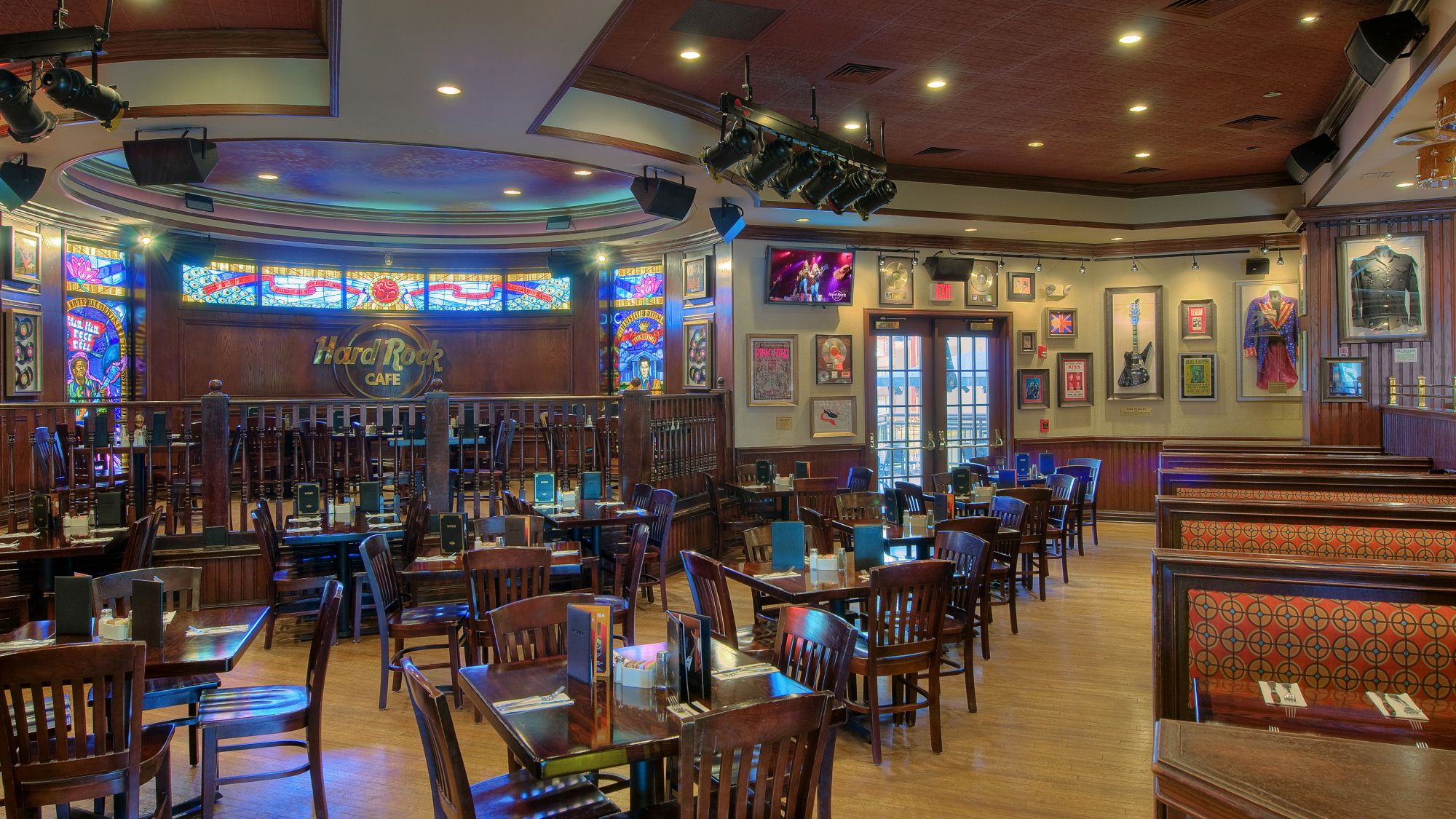Dining area of the St. Louis Hard Rock Cafe