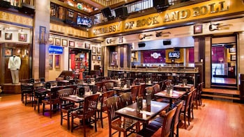Dining at Hard Rock Cafe Washington DC with Priority Seating