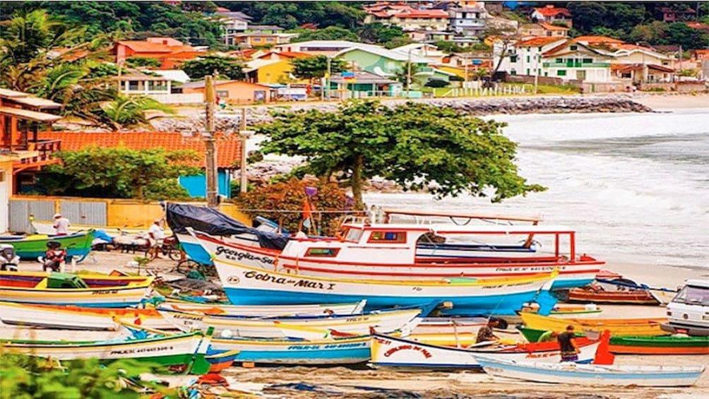 Carregar foto 4 de 5. Boats in Florianopolis
