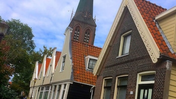 Small-Group Total Amsterdam Cycling Tour & Food Adventure