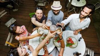 """Bukarest """"Bier, Häppchen und Märkte"""": Tour zu Fuß in kleiner Gruppe"""