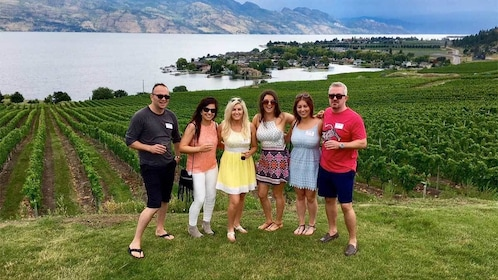 Group on the Deluxe Wine Tour in Vancouver BC