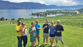 Signature Okanagan Wineries Afternoon Tour