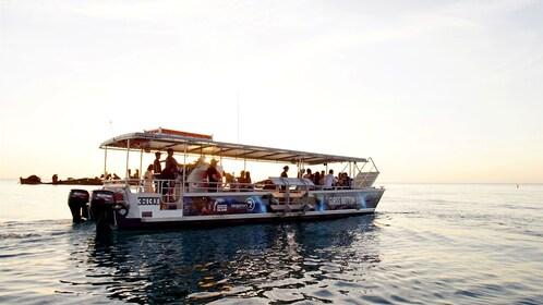 Glass bottom tour boat at Morton Island