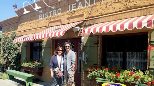 Couple standing in front of a bistro in Sonoma Valley