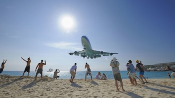 Extreme Plane-Spotting at Maho Beach