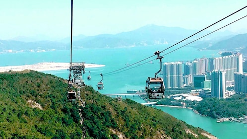 Cable gondolas over Hong Kong