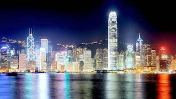 Historic Hong Kong City Tour with Dinner Cruise